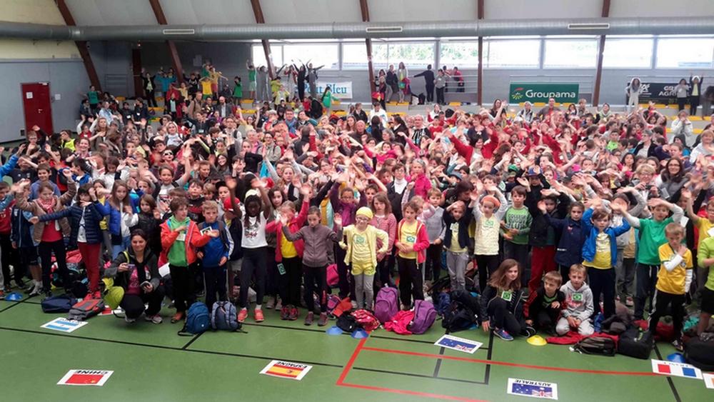 """600 élèves pour la rencontre """"Jeux de récré, jeux innovants"""""""
